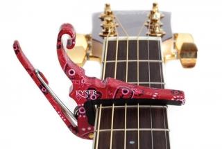 Каподастр для акустической гитары KYSER KG6RB Red Bandana